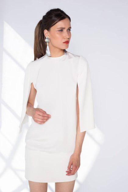 Rochie cu maneci capa