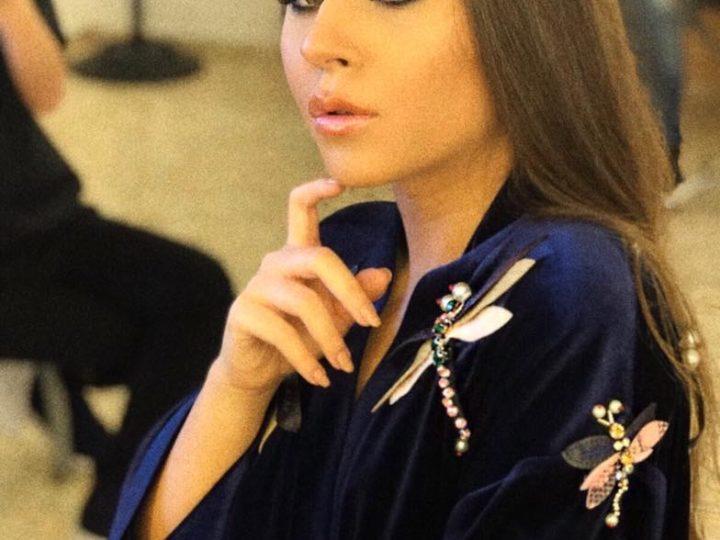 Nicole Cherry – intr-un kimono de catifea cu aplicatii Silk Love and Lace
